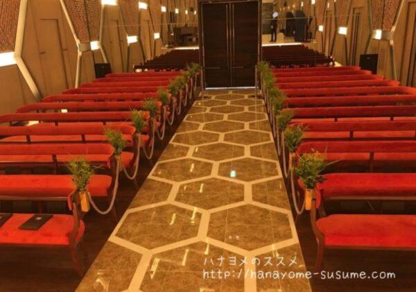 ノートルダム横浜みなとみらいのチャペル「THE WAREHOUSE」を祭壇上から見たイメージ