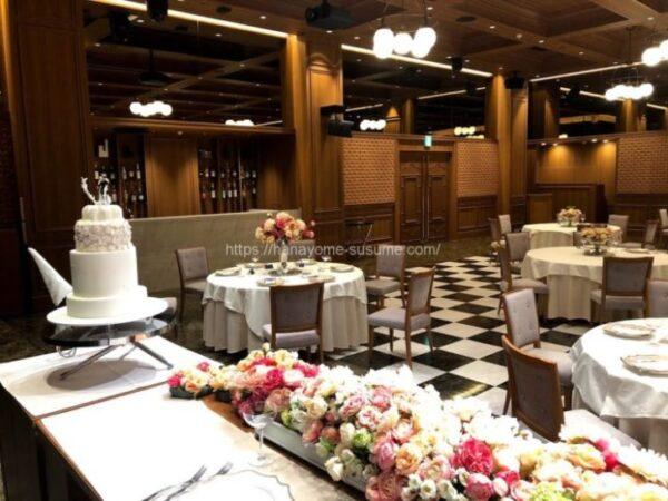 ノートルダム横浜みなとみらいの披露宴会場「THE CLUB」を新郎新婦側から見たイメージ