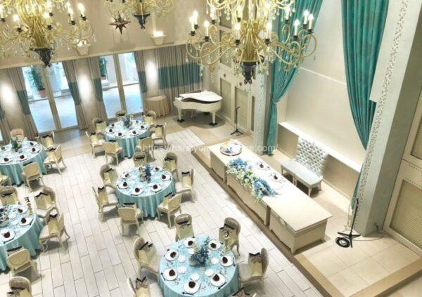 アニヴェルセルみなとみらい横浜の披露宴会場「ヴィラ・リヤド」を2階から見たイメージ