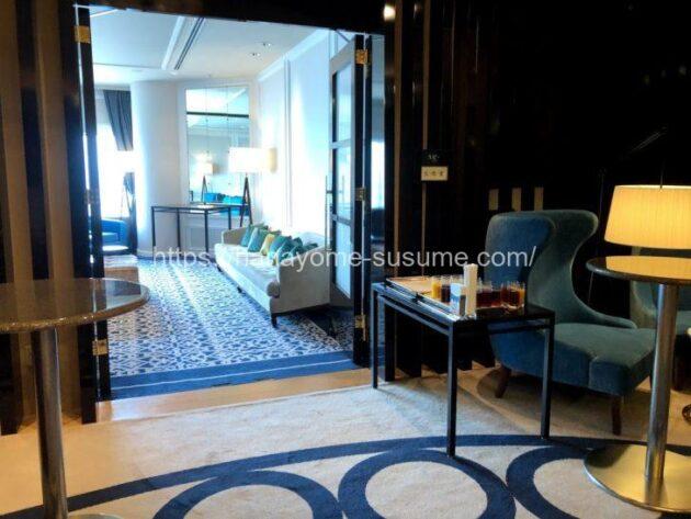 横浜ロイヤルパークホテルの披露宴会場「レインボー・オーロラ」使用時のゲスト控室入口